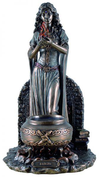 Keltische Göttin Brigid mit Kessel